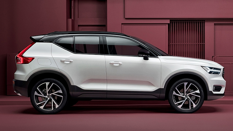 VOLVO XC40 D4 AWD Geartronic Momentum